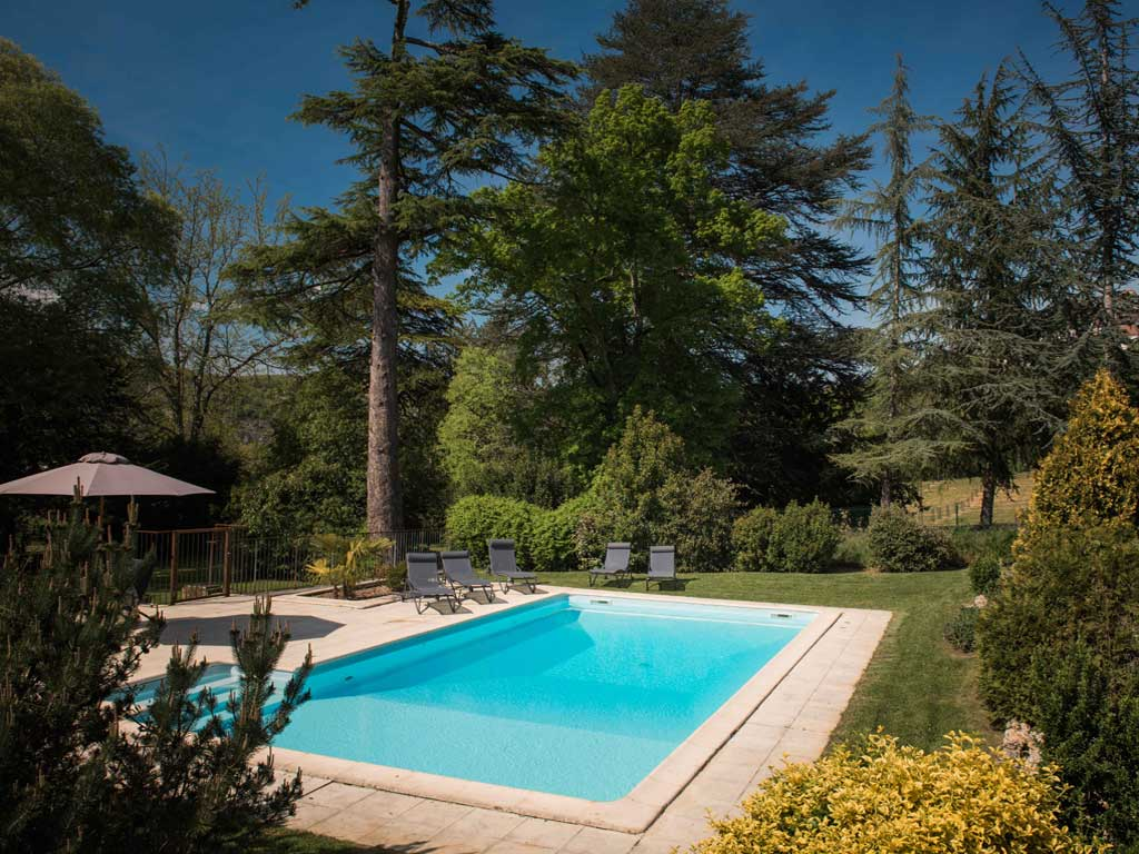 Grand gite saint cirq lapopie calvignac lot g te de groupe for Piscine st meen le grand